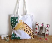 wedding photo - Giraffe shoulder bag/ tote bag hand painted/yellow/africa exotic animals/animal bag /shopping bags /women's handbag/women's gift/cotton