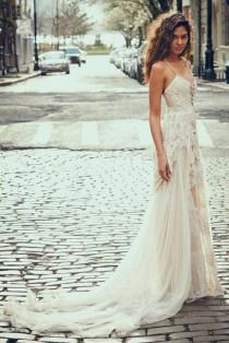 wedding photo - These Pretty Wedding Dresses Are A Bohemian Dream