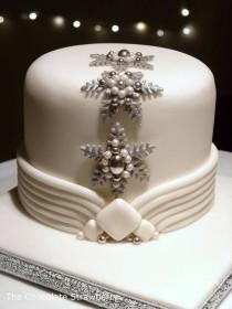 wedding photo - Art Deco Inspired Christmas Cake