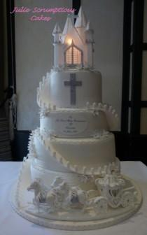 wedding photo - Horse And Carriage Communion Cake