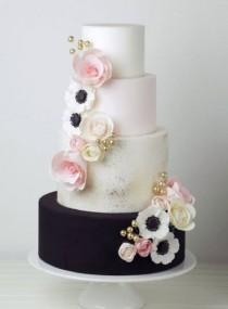 wedding photo - Crummb Wedding Cake Inspiration