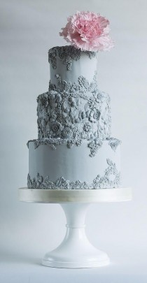 wedding photo - Stunning Cakes Using Bas Relief