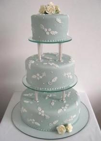 wedding photo - Pillar Wedding Cake