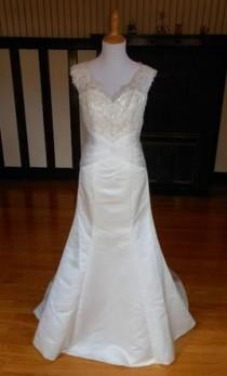 wedding photo - Other $199 Size: 8