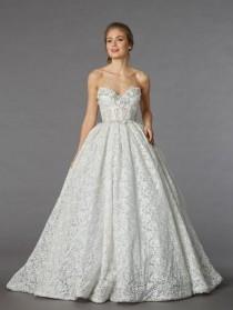 wedding photo - Dazzling Savings On Pnina Tornai Sample Gowns, April 22!