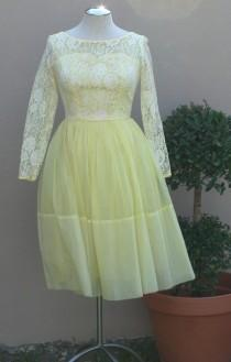 wedding photo - 1950s 1960s Party Dress - Pale Yellow Party Dress with Lace - Tulle Chiffon - Girly Feminine Sweet Demure Dainty Lace and Chiffon - 30 Bust