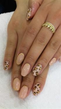 wedding photo - Nude Leopard Print Gold Glitter And Stud - Nail Art Gallery