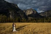 wedding photo - This wedding photographer will travel for FREE to your wedding