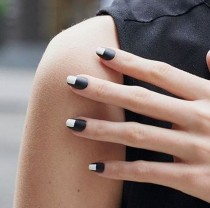 wedding photo - 10 Black-based Nail Art Looks To Get You Ready For Fall