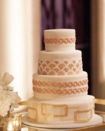 wedding photo - Wedding Cake Inspiration - Photo: Miki & Sonja Photography