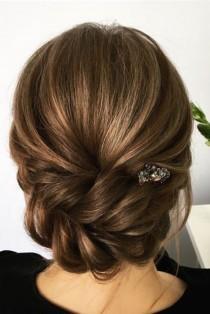 wedding photo - 21 Wedding Hairstyles For Medium Hair