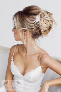 wedding photo - 20 Prettiest Wedding Hairstyles And Wedding Updos