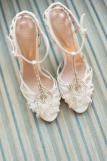 wedding photo - Wtoo Pippin Is Blushing For Fall - Bella Lily Bridal