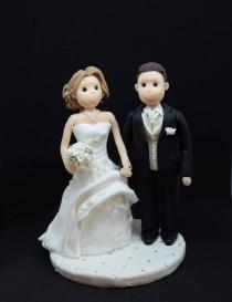 wedding photo - Personalized wedding cake topper