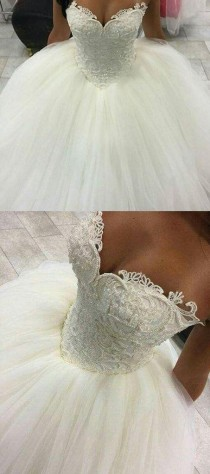 wedding photo - Gorgeous Pearls Ball Gown Wedding Dresses 2017 Sexy Sweetheart Sleeveless Lace Applique Beads Tulle Bridal Gowns Princess