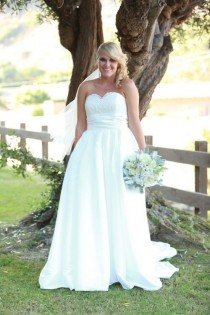 wedding photo - The Perfect Plus Size Wedding Dresses For Any Size Or Shape