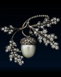 wedding photo - Trinkets, Baubles And Gems Oh My