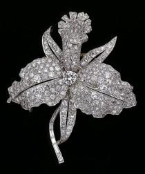 wedding photo - CollectingFineJewels: VCA, Set In Style-Nature: Orchid Brooch