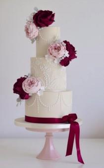 wedding photo - Wedding Cake Inspiration - Cotton & Crumbs