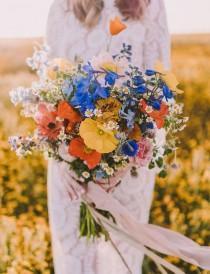 wedding photo - Sweet 70s Wildflower Bridal Inspiration