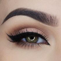 wedding photo - Awesome Eyeliner Tricks!