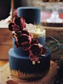 wedding photo - 25 Burgundy And Navy Wedding Color Ideas