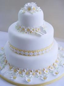 wedding photo - Dainty Daisy Wedding Cakes