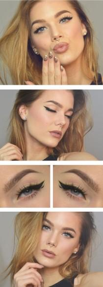 wedding photo - Green-Black Eyeliner