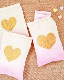 wedding photo - DIY Tutorial: Dip Dye Heart Favor Bags