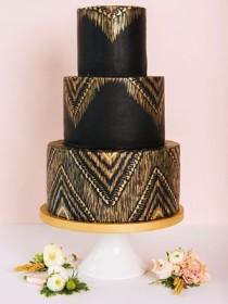 wedding photo - Black Wedding Cakes