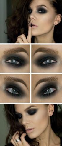 wedding photo - Dark Eye Makeup