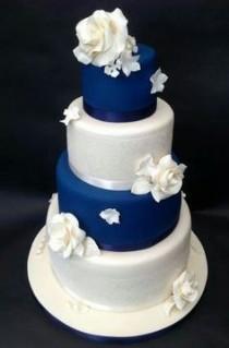 wedding photo - Blue and White Wedding Cake