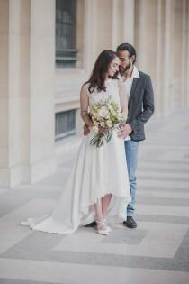 wedding photo - A Simple Yet Utterly Romantic Parisian Elopement - French Wedding Style
