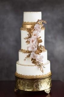 wedding photo - Rusty Gold Detailed Wedding Cake