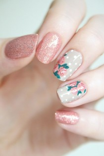 wedding photo - Rose Nail Art