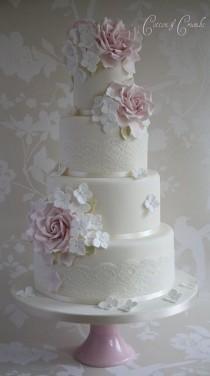 wedding photo - Rose & Hydrangea Wedding Cake