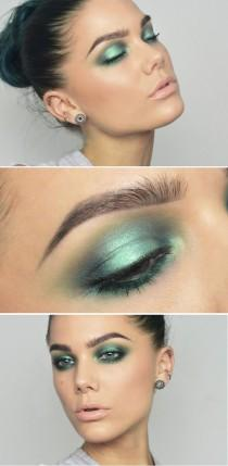 wedding photo - Blue Metallic Eye Shadow