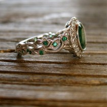 wedding photo - Green Emerald Vine Ring In 14K White Gold With Diamonds In Flower Buds & Leafs Size 6