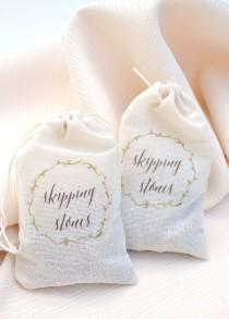 wedding photo - SMP Blogger Bride: DIY Skipping Stone Favor Bags