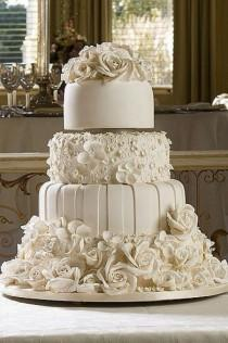 wedding photo - All White Wedding Cake