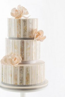 wedding photo - Wedding Cakes For Winter Weddings Winter Wedding Cakes