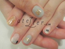 wedding photo - Gold Glitter Nail Art