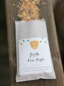 wedding photo - Birdseed Favor DIY Tutorial
