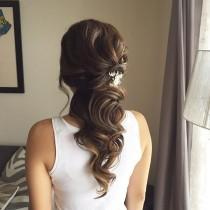 wedding photo - This Beautiful Half Up Half Down Bridal Hairstyle Perfect For Any Wedding Venue