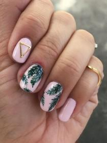 wedding photo - Tropical Palm Print Nail Art