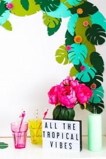 wedding photo - DIY Tropical Garland