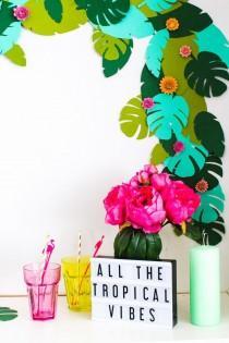 wedding photo - DIY Tropical Garland