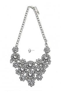 wedding photo - Glass Crystal Statement Necklace