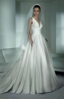 wedding photo - Pronovias - New, Henderson/1137408, Size 6 Wedding Dress