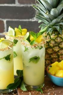 wedding photo - Pineapple Coconut Mojito